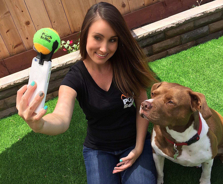 The-Original-Dog-Selfie-Stick-demo-image